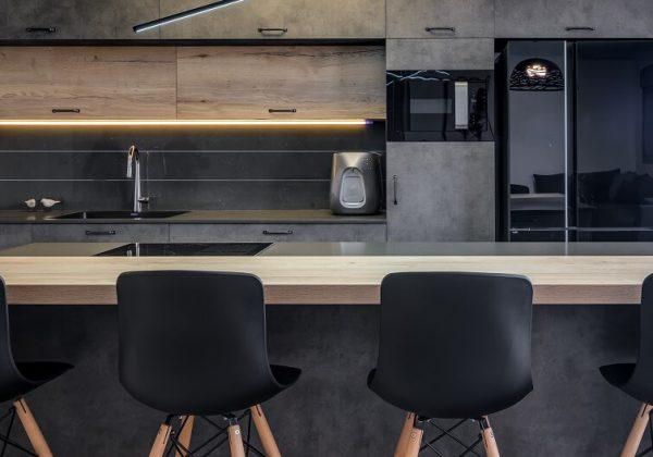 מטבח שחור בדירה קבלנית בחולון